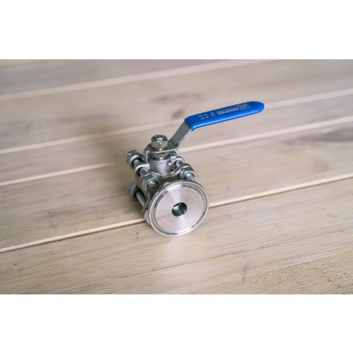Stainless Ball Valve - 1.5 in TC x 1/2 in. NPT
