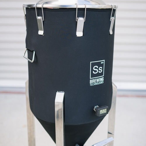 Ss BrewTech Chronical Fermenter Brewmaster Edition with FTSs Heating & Chilling Package - 1/2 bbl
